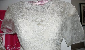 front-lace-sleeves