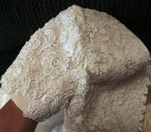 sleeve-lace
