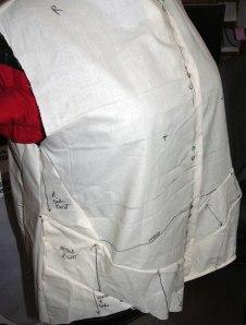 13-muslin-sewn-front-bulge