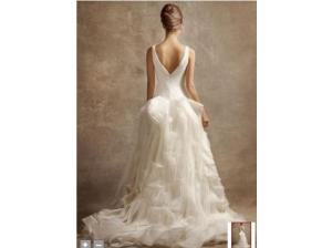 Vera-Wang-White-Ball-Gown-VW351029-Soft-White-2011-2